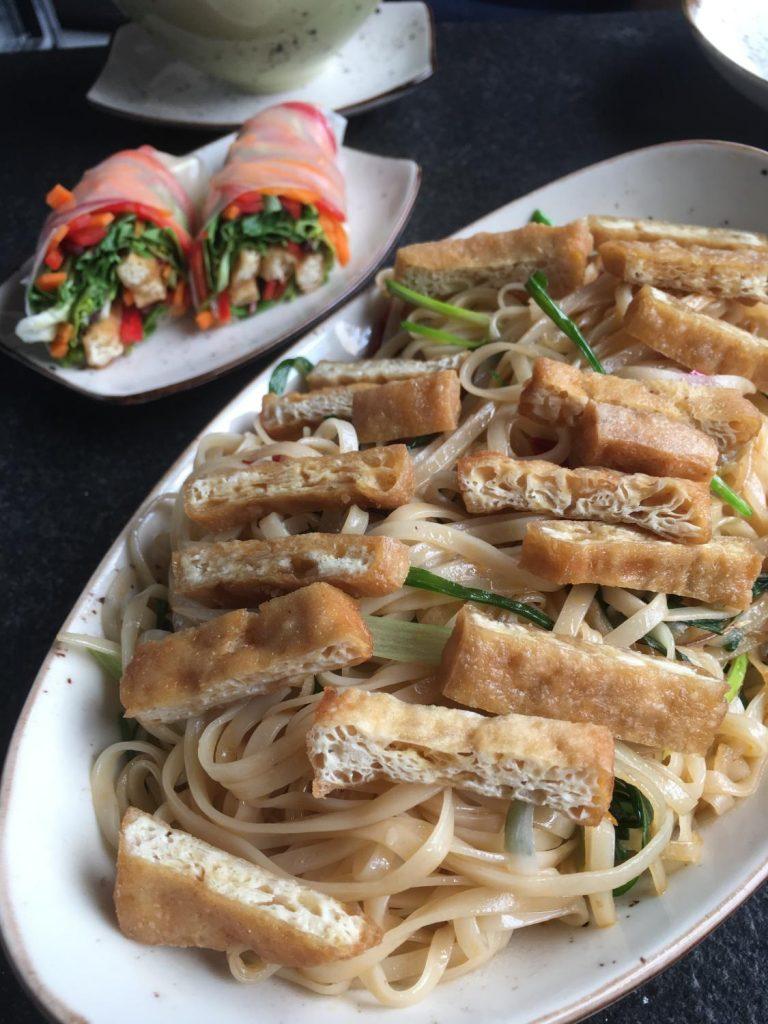 asya mutfağı tofulu noodle makarna