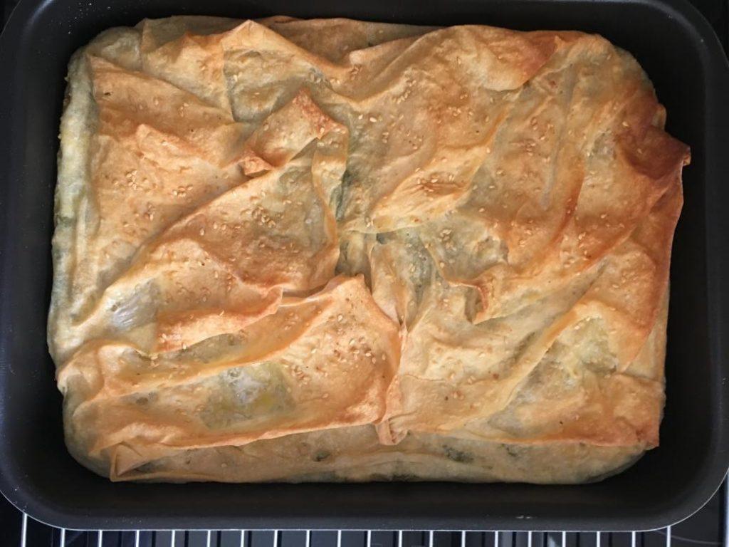 vegan börek servise hazır