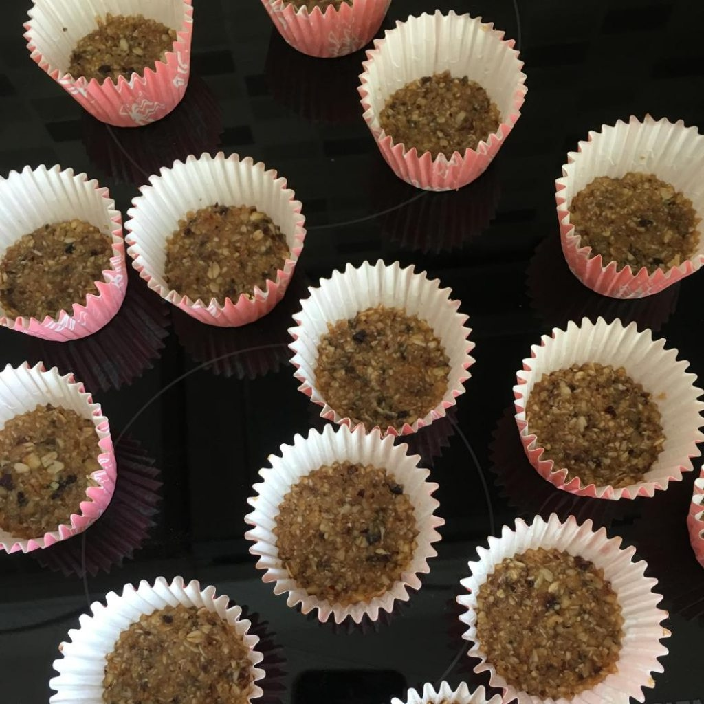 sağlıklı tatlılar yapmak için bu tabanı hazırlayıp kullanabilirsiniz