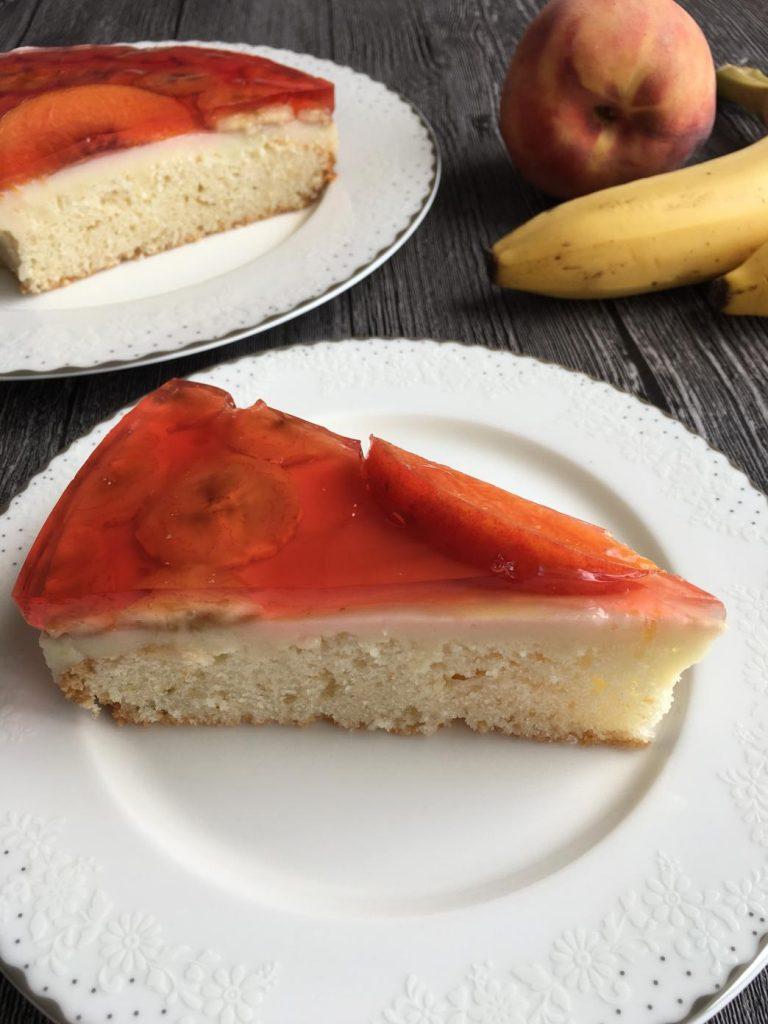 meyveli yaş pasta dilimi