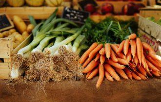 ekim ayı sebze ve meyvelerinden pırasa ve havuç