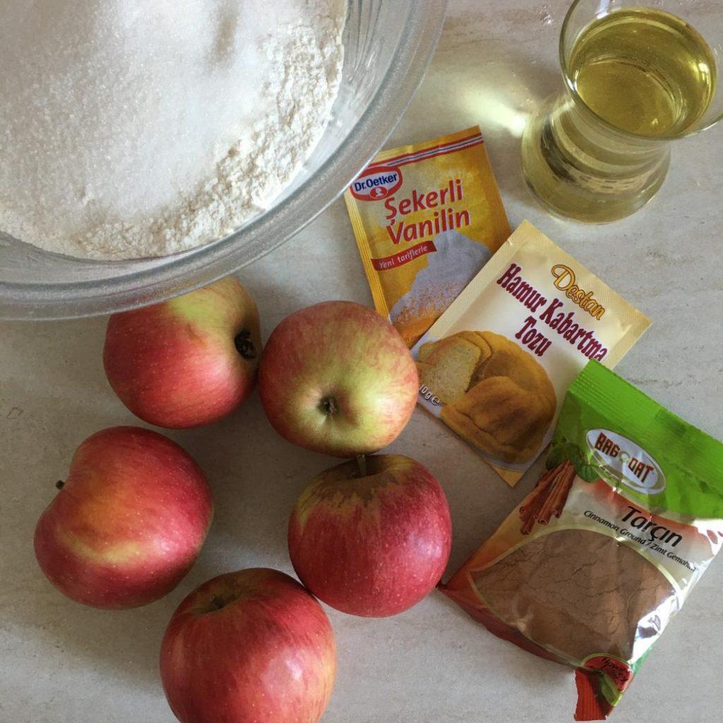 elmalı kek malzemeleri