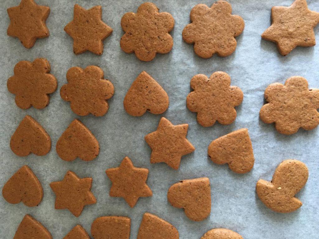 zencefilli tarçınlı kurabiyeler noel kurabiyesi diye de geçiyor