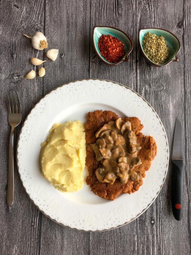 seitan tarifi ile hazırlanmış vegan steak