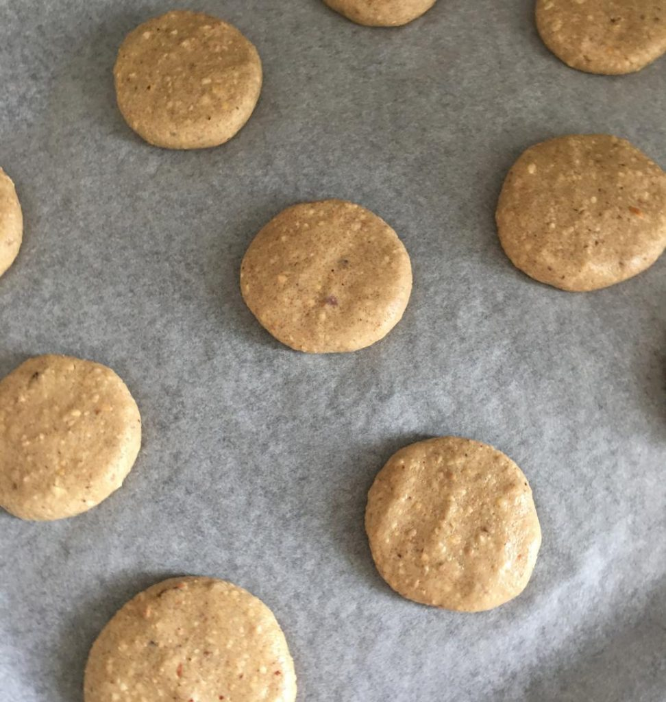 tahinli kolay kurabiye tepside