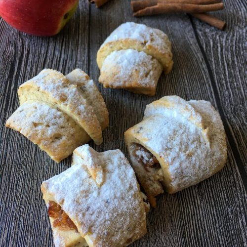 vegan elmalı kurabiyenin pişmiş hali