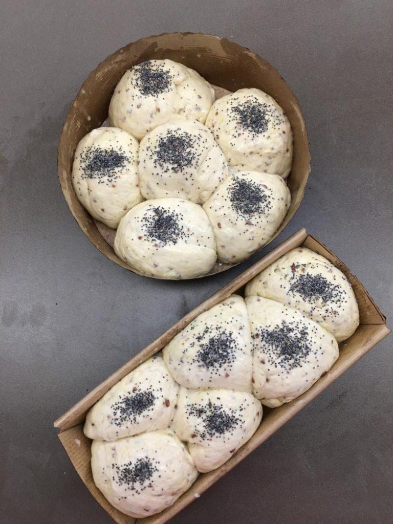 mayalanmış vegan ekmekler